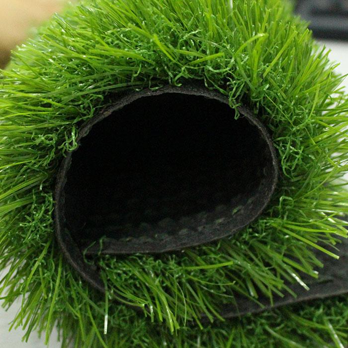 易华人造草坪景观草25mm成卷图片