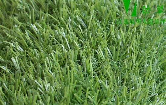 正规人造草坪厂家生产的人造草坪