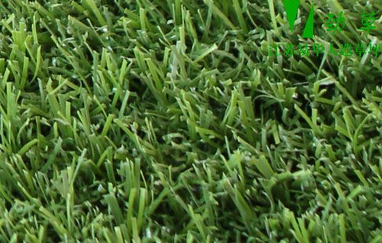 易华仿真草坪可以立体安装在墙面